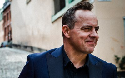 Boka Talangvinnaren Micke Holm!